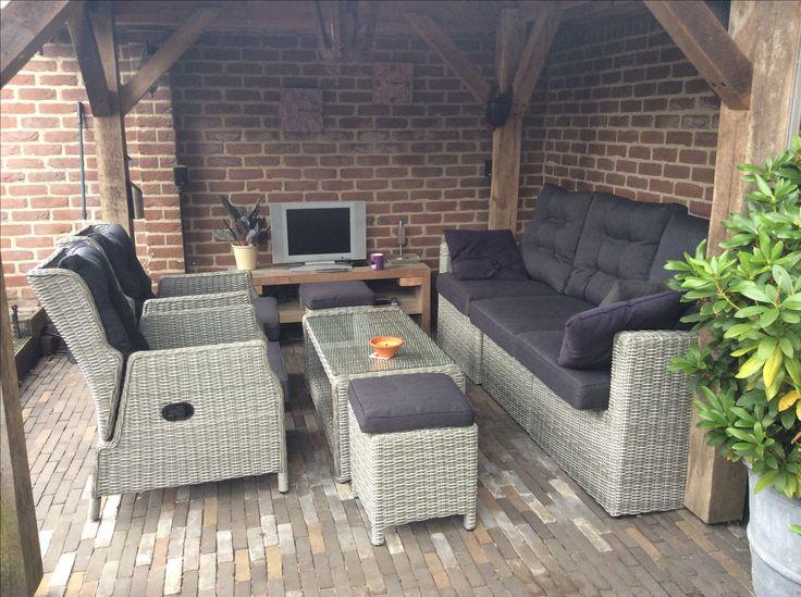 Dublin Serie, Stel je eigen set naar wens samen!  Kies je voor een verstelbare stoel, hoekbank of diningset het kan met deze tuinmeubel serie.