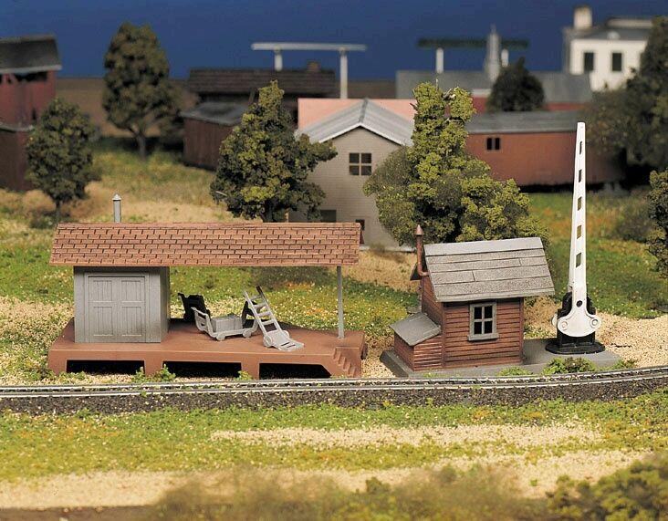 Bachmann Trains Loading Platform and Crossing Shanty