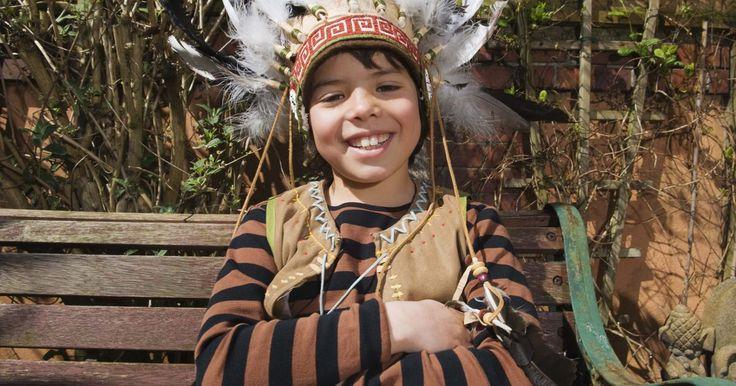 Cómo hacer una pipa de la paz o pipa sagrada. La pipa de la paz calumet, o pipa ceremonial, es utilizada por muchas tribus nativas americanas para rituales y plegarias. Adicionalmente, la pipa se puede utilizar para sellar tratos. Las pipas tradicionales están hechas de pipestone o catlinta que son piedras fáciles de trabajar. El uso de estas pipas varía por tribu. Por ejemplo, muchas tribus ...