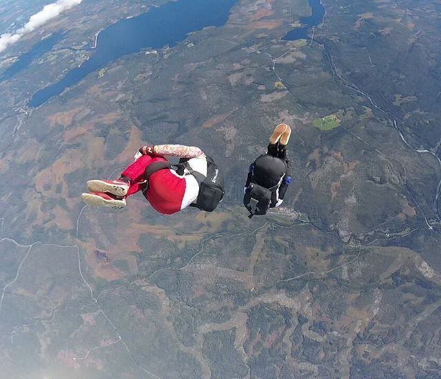 Canonball! #ofsk #oslofsk #adrenaline #skydive #skydiving #Oslo #Norge #Norway #flying #adventure #fallskjerm #tandem #eventyr #falling #fallskjermhopp #jointheteem #skydiveoslo #oslofallskjerm #extremesports #fallskjermkurs #ekstremsport #GoPro @oslofallskjermklubb