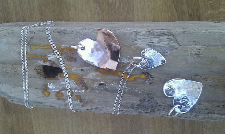 Work by my favourite indie jewellery maker, Steph Davies of Scruffy Dog Silver.9314_450526001652055_275711083_n.jpg 960×574 pixels