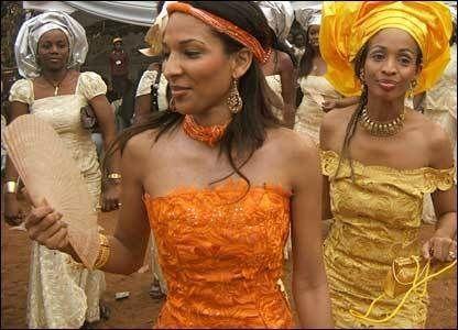 Las mujeres del Estado nigeriano de Zamfara vuelven a manifestarse contra la escacez de maridos.- El Muni.