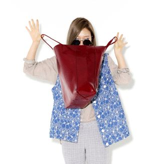 Today's Hot Pick :フラワーパターンルーズフィットデニムベスト http://fashionstylep.com/P0000VNF/ju021026/out フラワーパターンのデニムベストです。 ロング丈のルーズフィットなので気になるお腹周りをラクラクカバー♪ Tシャツやブラウスと合わせてこなれカジュアル風に着こなせるアイテムです! ワンピースと合わせてもキュート! 下記の詳細サイズを参考にしてください。 ◆2色: ダークブルー/ライトブルー