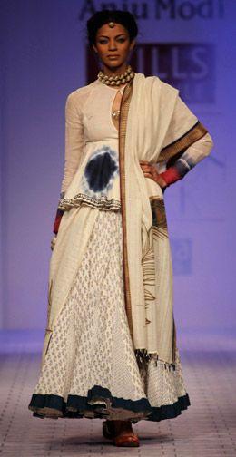 Anju Modi--tie dye blouse and peacock dupatta