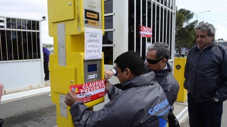 La Muni clausuró el estacionamiento del aeropuerto - Lmneuquen.com