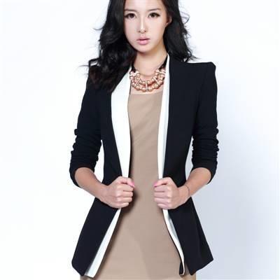 Модные женские жакеты и костюмы и пиджаки