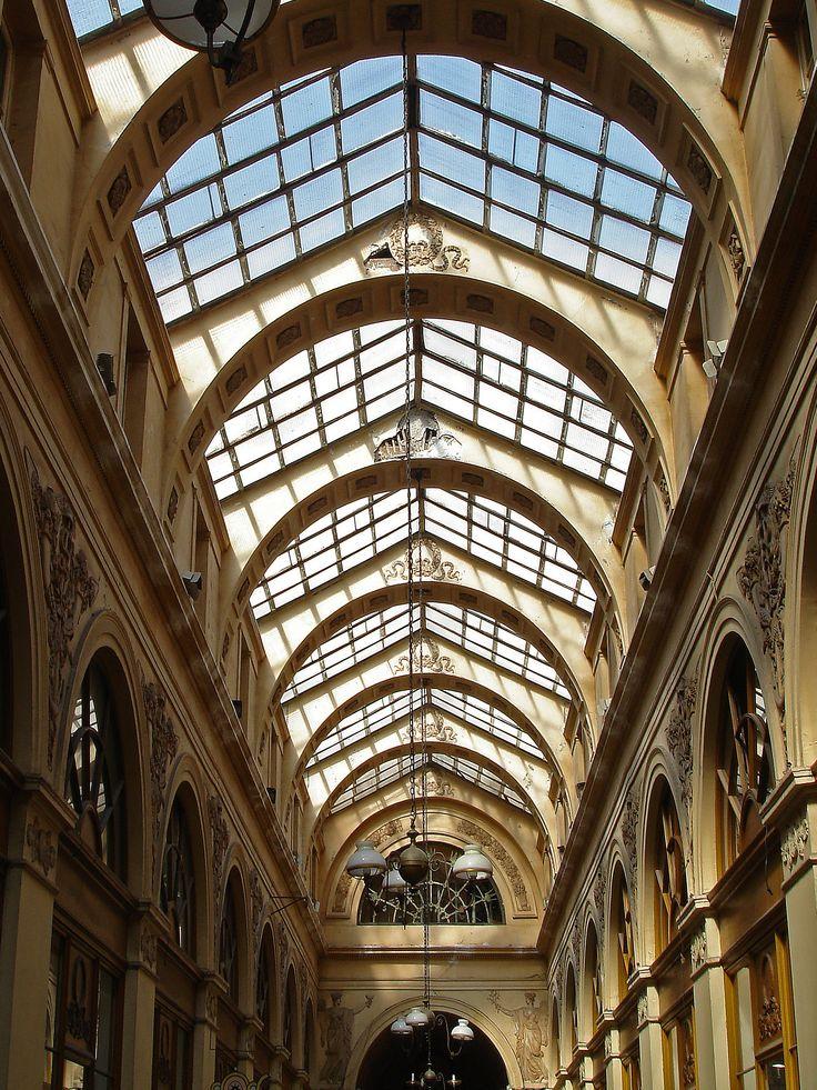 visite des plus beaux passages couverts dans Paris du Palais-Royal aux grands-boulevards http://visite-guidee-paris.fr