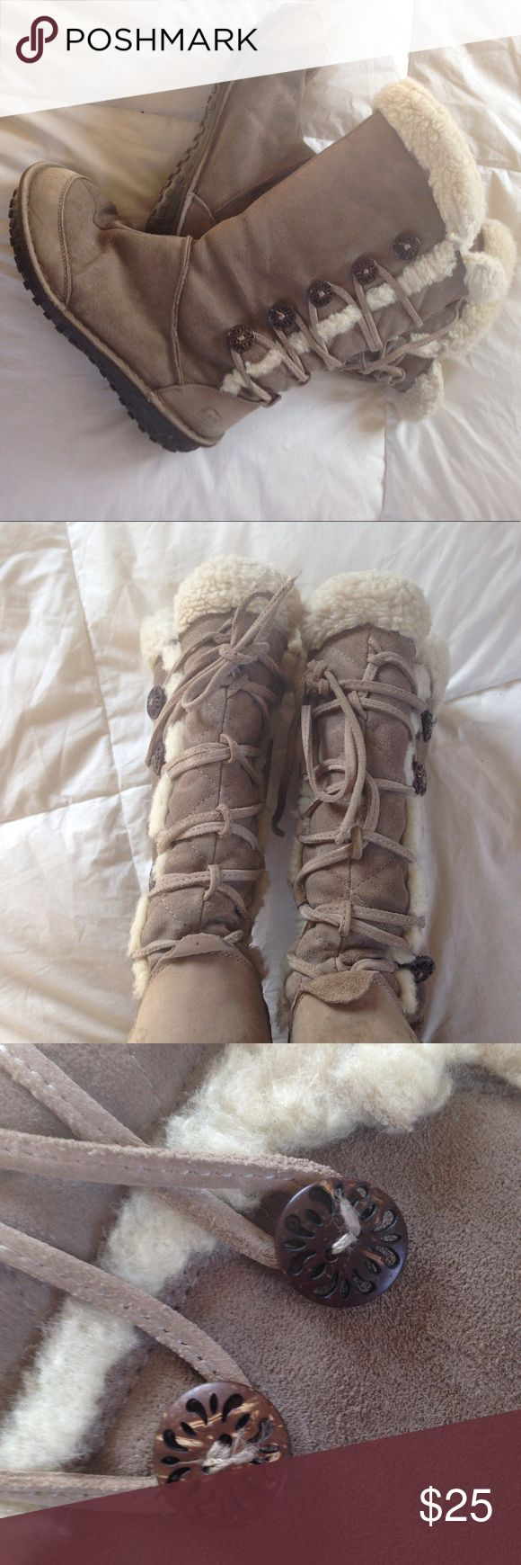 Sorel winter boots Sorel snow boots in cream. Great winter boot. The size is a 7.5 but they run big even with big wool socks. Used and loved, with plenty life left. Sorel Shoes Winter & Rain Boots