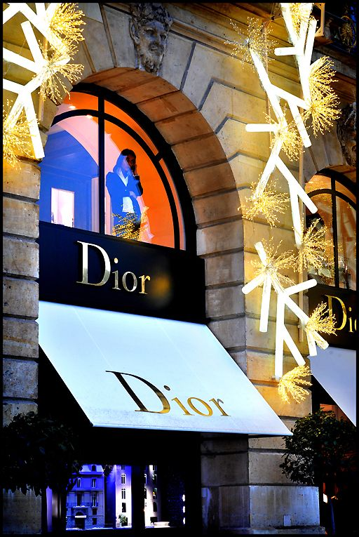 DIOR, Place Vendome in Paris  #www.frenchriviera.com....my second home...b♡