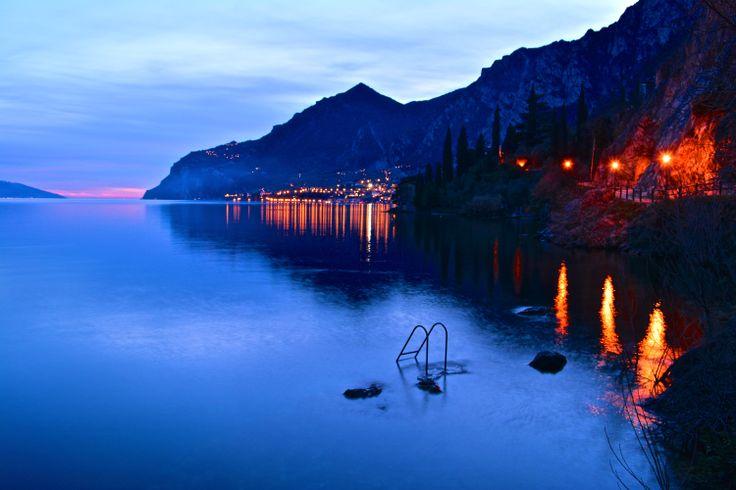 aspettando il tramonto a Limone sul Garda