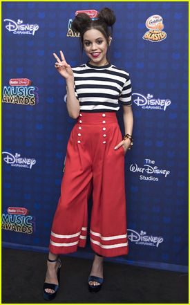 Jenna Ortega Is About To Be Your New Style Crush – See All Her RDMAs Looks Here! | 2017 Radio Disney Music Awards, Fashion, Jenna Ortega, radio disney music awards, RDMAs | Just Jared Jr.