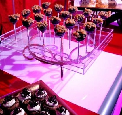 #Chocolate #cheesecake #cakepops. Love the clear base! A #brightidea for your next #event. #circus #f&B #food #cake #pops #desserts