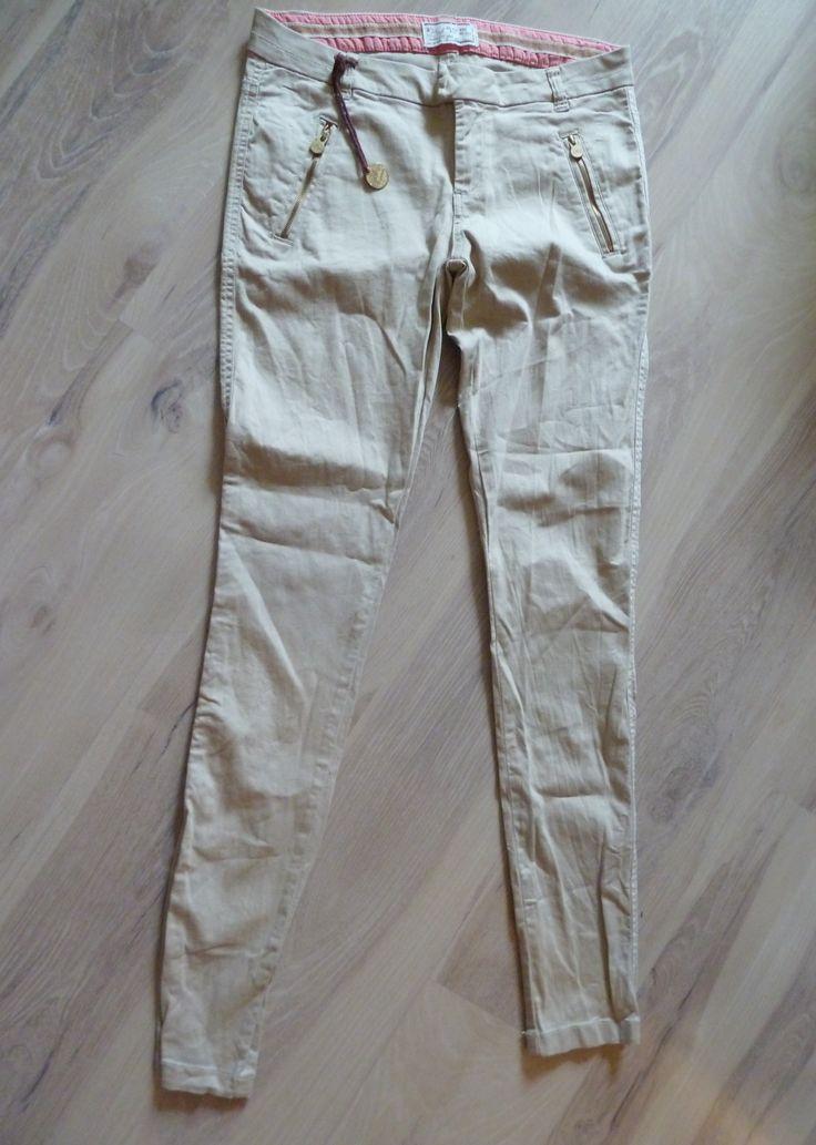 Pantaloni Bershka