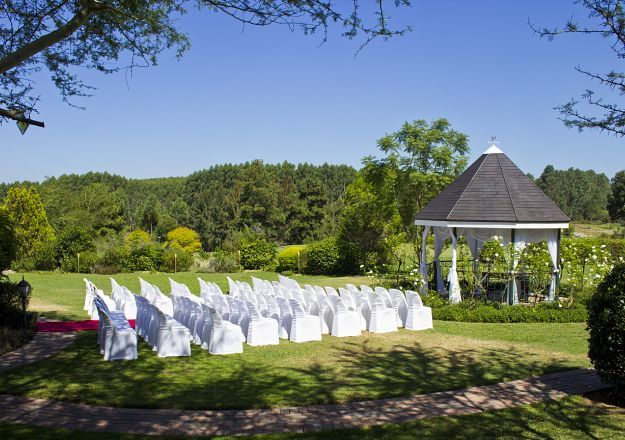 Oliver's Restaurant And Lodge makes for an exceptionally pretty wedding venue.