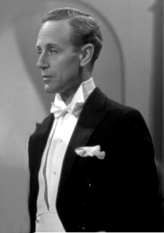 Leslie Howard -  The most charming and sophisticated British actor before the War