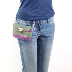 Hüfttasche, praktische Freizeittasche,  schöne Farben, Beeren und Grün ,  Handtasche, Geldtasche, Konzert, von meiTaschi auf Etsy                                                                                                                                                     Mehr