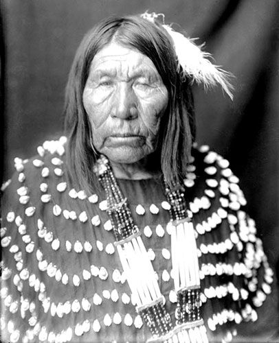 Old Blackfoot Woman wearing a Bone Hair Necklace and Cowrie Shell Dress: Blackfoot Woman, Blackfoot Indian, American History, Blackfoot American, American Indian, Indian Pictures, American People, Indian Woman, Native American