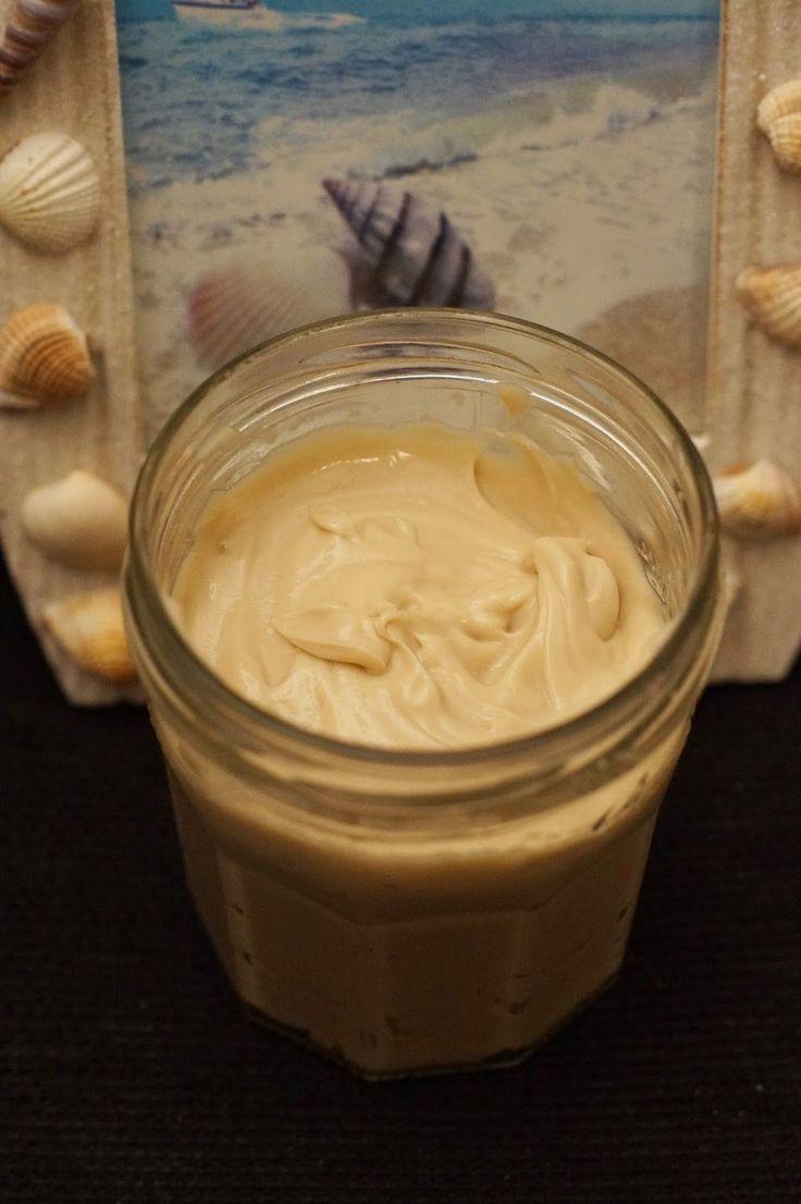 Recette d'un après-shampoing soin au thé noir, lait de coco, huile de coco et beurre de karité.