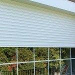 La limpieza de las persianas sobre todo cuando se trata del lado externo en ventanas que no están en una planta baja, puede convertirse en una misión imposible, pues, además de engorroso, representa muchos riesgos. Este artículo detalla #consejosdelhogar