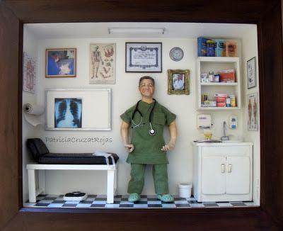 Patricia Cruzat Artesania y Color: Consulta de un Medico Cirujano con Miniaturas, un regalo personalizado.