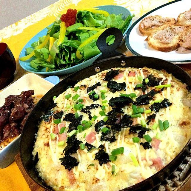 いつも自分の「長芋とろろ焼き」は、美味しいけど、長芋高いんよね! みきちゃんレシピなら、同じ長芋なのに、いつもの3倍量になったよ! グリルプレートで、ふんわり〜 ✨✨✨✨✨✨ヽ(*^∇^*)ノ - 178件のもぐもぐ - mikisawaみきちゃんの                    長芋と豆腐のグラタン                   ・ホタルイカのコンフィ               ・三元豚のレバーパテ                             ・鎌倉野菜のサラダ  とびっ子のせ by 1125shino
