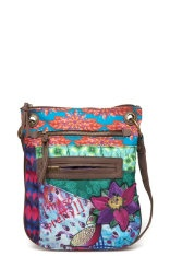 Simply trendy! Find your bag at http://www.desigual.com