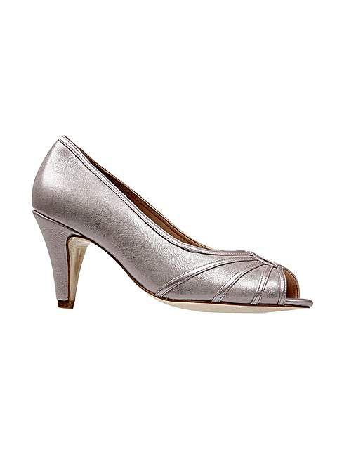 Van Dal Hart Shoe   Fifty Plus
