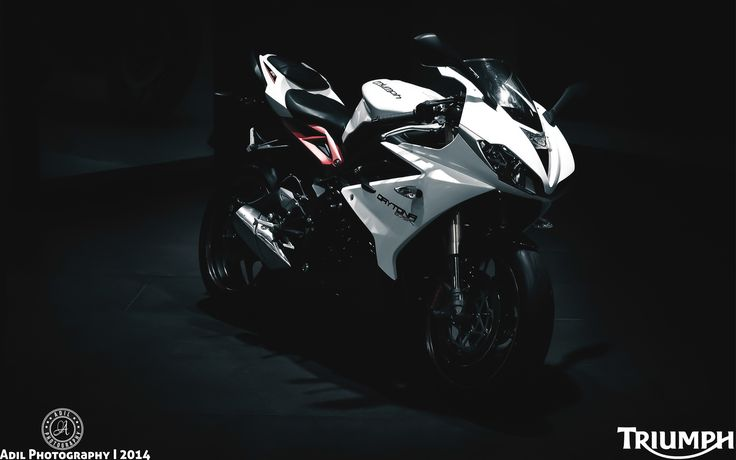 Triumph Daytona 675r Motorcycle Hd Wallpaper 1920x1200