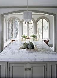 Una galería de bellas ideas encimera de mármol para adaptarse a todos los estilos de cocina.