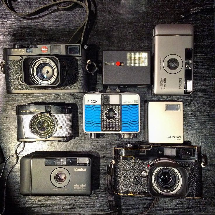 Group shot after meeting up with two friends the other night- these daily shooters are: #LeicaM6 with a #35mm #Summicron Asph / #KonicaBigMini / #FujicaMini #RicohAutoHalf E2 with a Rollie 35 flash / another #BigMini / my #LeicaMP with a Contax G series flash and a #Summicron35 Asph lens. #Shinjuku #Tokyo #CameraStyle #ShootFilm by tokyocamerastyle