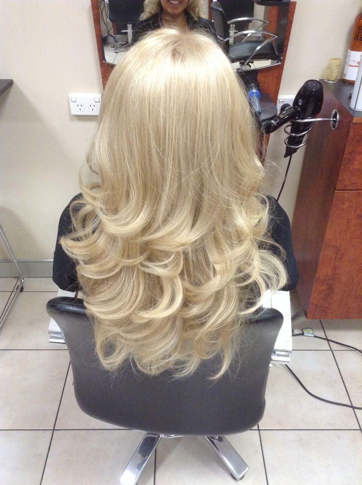 A soft curly blowdry