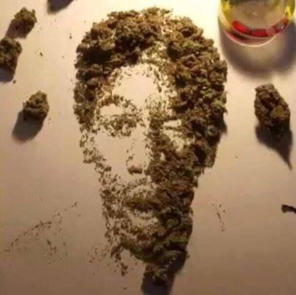 Weed Art • Wiz Khalifa. This is pretty fucking amazing, good job person who had too much time on their hands....or just plain ol' stoned doing it.