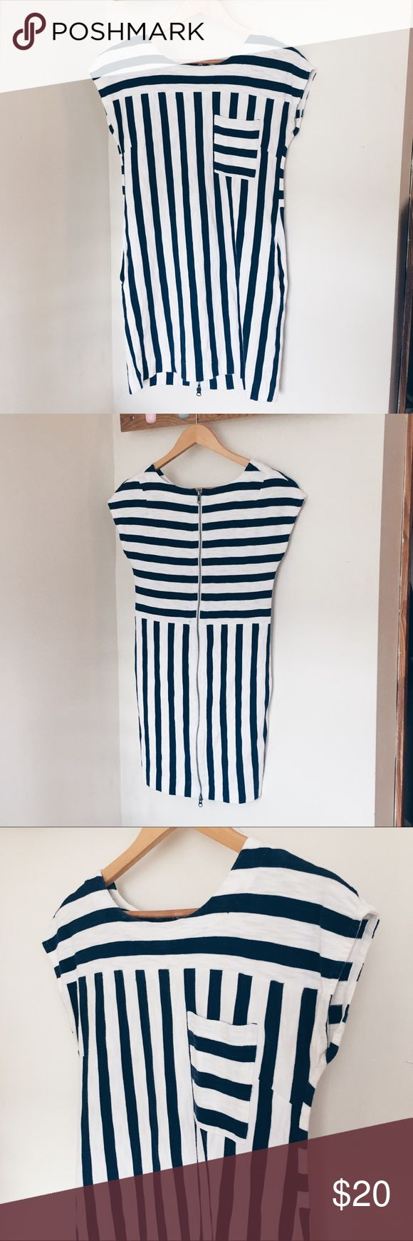 Weekend dress! MADEWELL blue striped dress This cute little dress is the best outfit for your brunch dates! You would look so cute and casual in this lovely dress!! Madewell Dresses Mini
