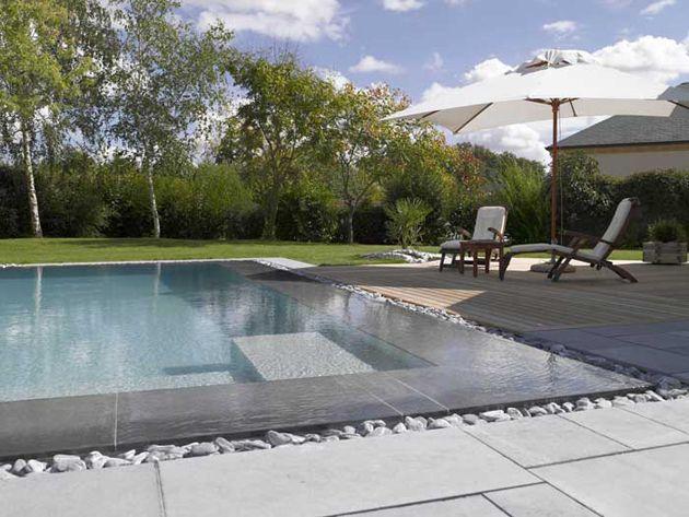 Rénover sa piscine : la tendance est au gris | Piscines Carré Bleu