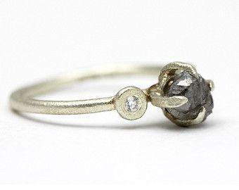 Ruwe diamanten ring geel goud ruwe diamanten verlovingsring