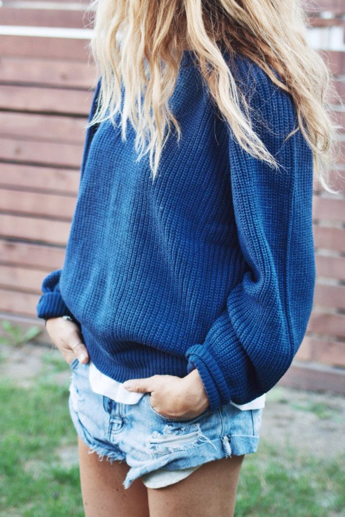 OVERSIZED BOYFRIEND SWEATER: