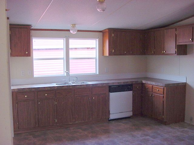 Best 25 mobile home kitchens ideas only on pinterest for Farmhouse double wide
