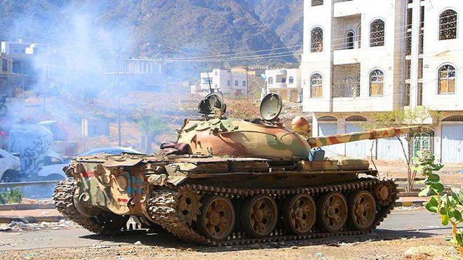 الشرعية والحوثيون يتبادلون الاتهام بخرق قرار التحالف وقف القتال ارتكبت الحكومة اليمنية الحوثيين وقف اطلاق النار باليمن In 2020 Military Vehicles Military Vehicles