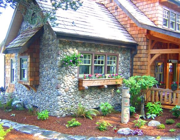 25 b sta cedar shake siding id erna p pinterest stugor for Cedar shake cottage