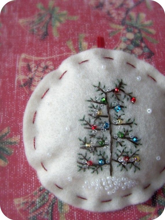 tiny tree embroidery with seed pearl ornaments: Pearl Ornaments, Felt Christmas, Christmas Ornament, Tree Embroidery