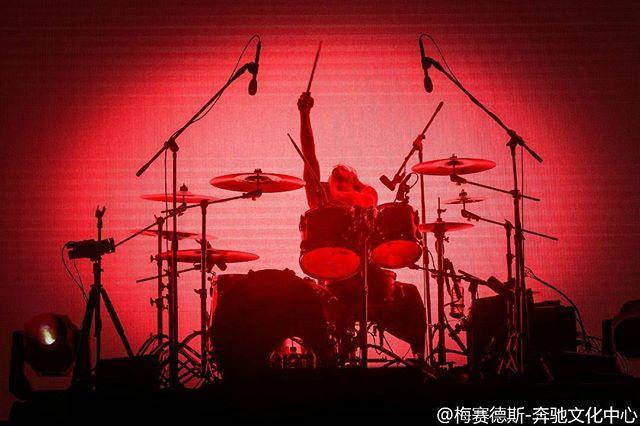 WEBSTA @ oneokrockworld - Tomoya!ONE OK ROCK Live at Mercedes-Benz Arena Shanghai in Shanghai, China (November 22, 2016)Photo by Mercedes-Benz Arena Shanghai on Weibo#oneokrock #oneokrockworld