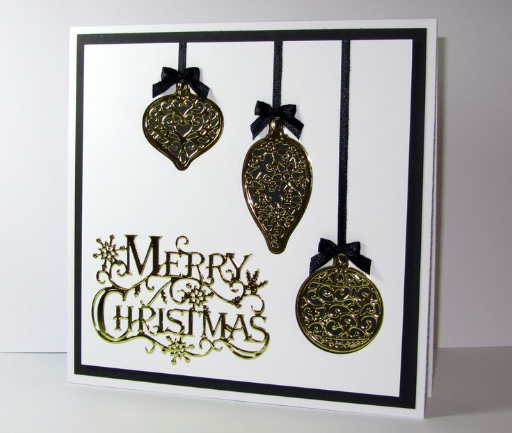 See how you can make this card too using the Sara Signature Traditional Christmas collection from #crafterscompanion