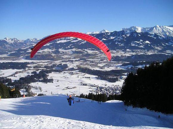 Speed-riding, parapente à skis et snowkite