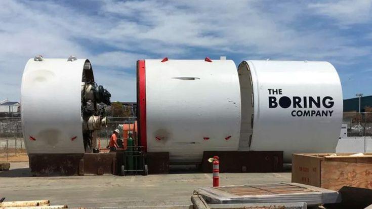 Webtekno ///  Elon Musk'ın Devasa Tünel Açma Makinesi SpaceX Çalışanı Tarafından Sızdırıldı!