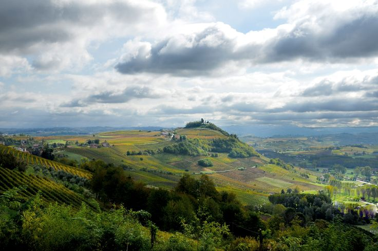 #Autumn is coming. Live it in #Piedmont. Monferrato: discover it.  L'#autunno sta arrivando. Vieni a viverlo nel #Piemonte. Il Monferrato: un luogo da scoprire.