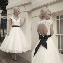 Online Shopping 2014 Sexy Beach Cap Sleeve Backless Wedding Ball Gowns Dresses Black Sash And White Vintage Plus Size Tea Length Wedding Dress Lace 102.88 | m.dhgate.com