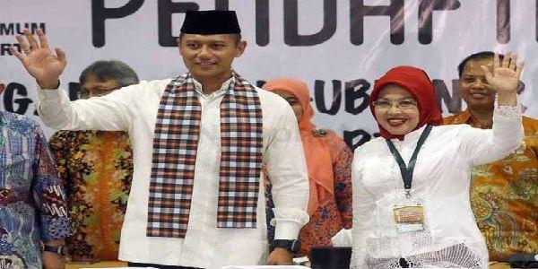 Inilah 5 Fakta Unik Agus-Sylvi yang Perlu Diketahui Publik  [portalpiyungan.com]Putra pertama Susilo Bambang Yudhoyono semakin dikenal publik setelah diusung oleh Koalisi Cikeas sebagai bakal calon gubernur DKI Jakarta. Sebelumnya Koalisi Cikeas (PD PKB PPP dan PAN) akhirnya memutuskan bahwa Mayor Inf. Agus Harimurti Yudhoyono akan maju menjadi cagub DKI didampingi oleh Dr. Sylvianna Murni S.H. M.Si. yang akan menjadi cawagubnya. Publik jelas penasaran dengan Agus Yudhoyono harapan Koalisi…