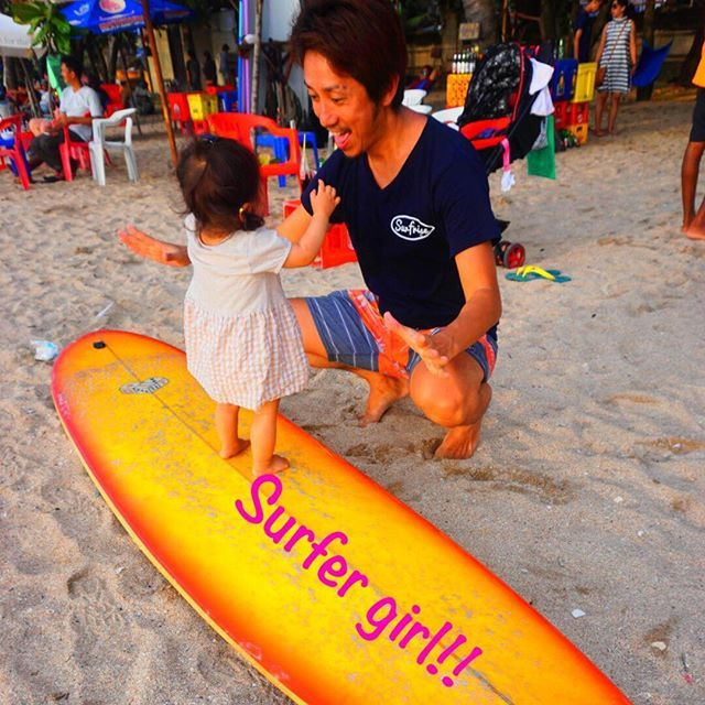 【saori421ralph】さんのInstagramをピンしています。 《せなやん1upしました🌴🏄 . 年末からなぜか急におパイも飲まなくなり自然に卒乳🍼🐰 . ボードに立っちできたり👧🏼 . 大きいプールで泳いだり👙 . インドネシア人の友達に抱っこされたり👨🏾 . 確実に1upしたな。 . #hawaii #hawaiian #aloha #beach #surf #sea #bali #kuta #kutabeach #genic_mag #genic_beach #followme #california #rhc #trip #ronherman #ハワイアン #アロハ #海 #ビーチ #クタ #ハワイ #カリフォルニア #ロンハーマン #サーフ #genic_bali #genic_travel #baby #surfergirl》