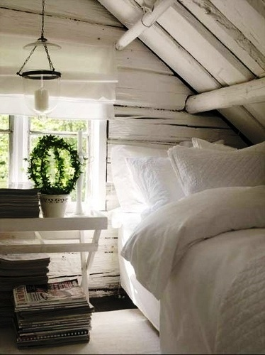 This bed looks so comfortable!