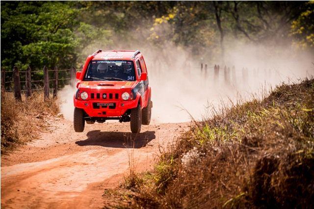 Suzuki participa do Sertões para desenvolver novo Jimny